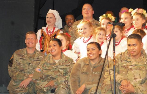 Powitali amerykańskich żołnierzy po polsku
