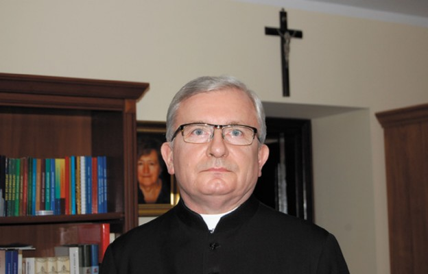 """Ks. dr Zbigniew Godlewski, proboszcz parafii św. Józefa i pomysłodawca projektu """"Koło »Niedzieli»"""""""