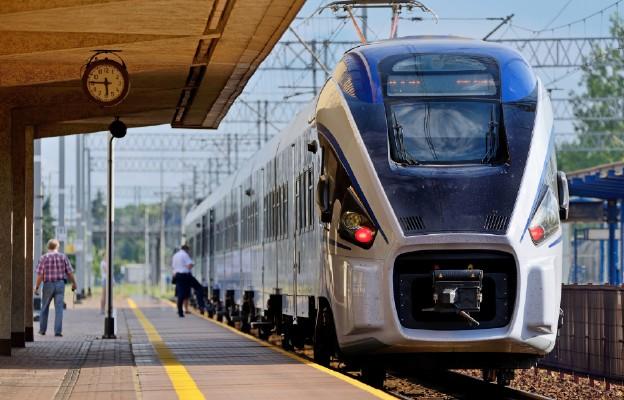 Prezydent: będę proponował likwidację VAT od biletów kolejowych