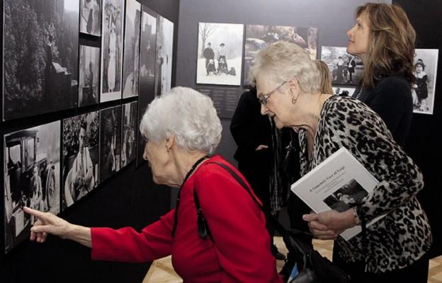 Powrót do przeszłości – nieznane fotografie w Książu