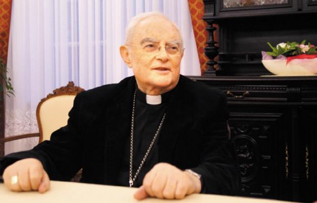 Abp Hoser: rolnicy są nośnikami wolności i polskości
