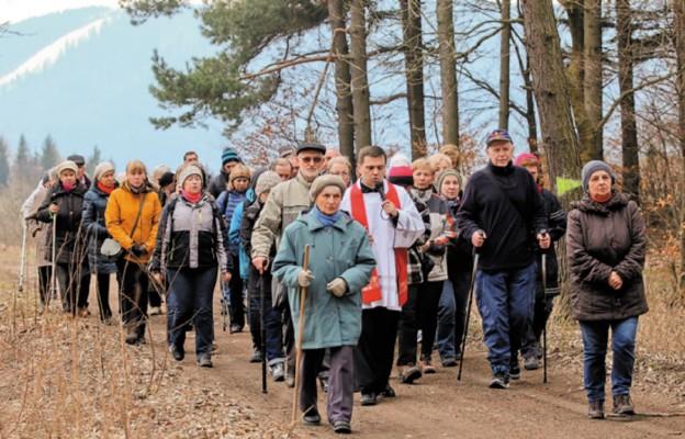 Pierwsza dekanalna Droga Krzyżowa na Chełmiec