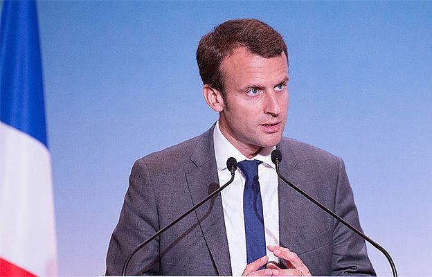 Macron topnieje