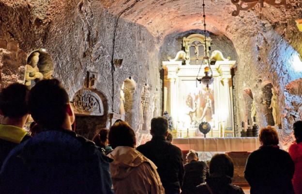 Pod ziemią z Chrystusem