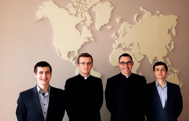 Klerycy udają się na staż misyjny do Kazachstanu