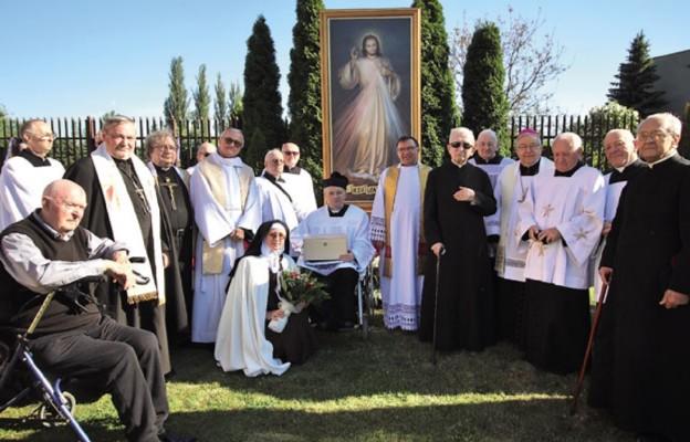 Seniorzy przy Jezusie Miłosiernym