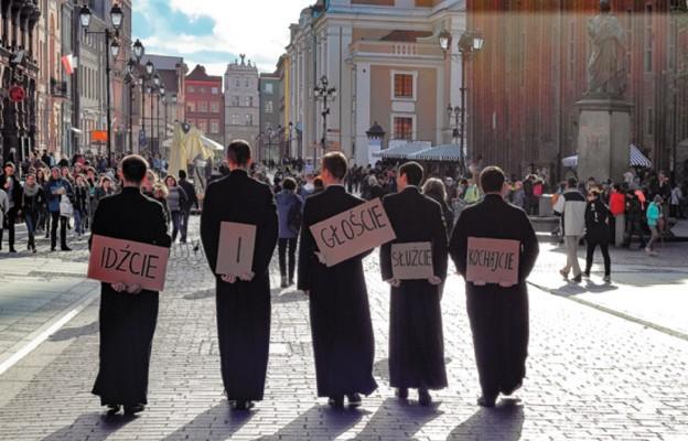 Katowice: klerycy pomogą w szpitalu tymczasowym w Międzynarodowym Centrum Kongresowym