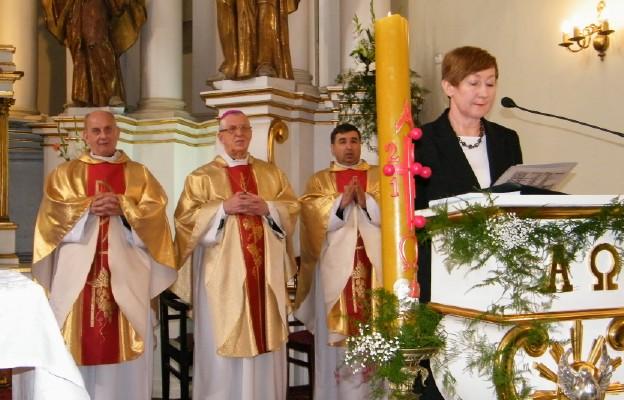 Centralnym wydarzeniem obchodów była Msza św., której oprawę przygotowali pracownicy biblioteki.