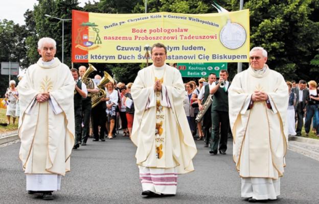 Ks. prał Tadeusz Lityński w drodze na święcenia biskupie