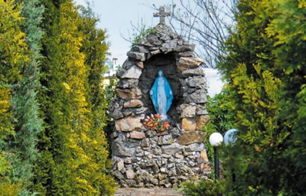 Parafia pełna kapliczek