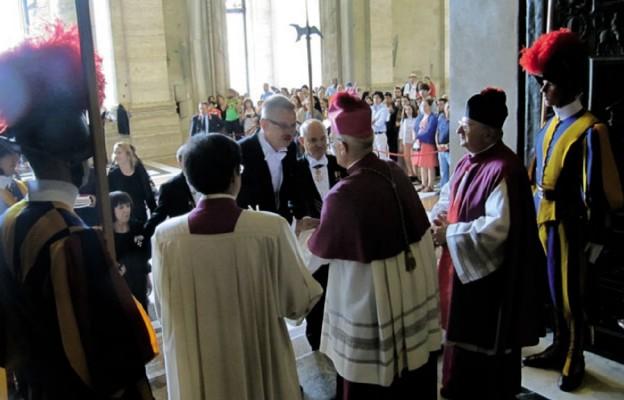 Rozpoczęcie misji u grobu św. Piotra