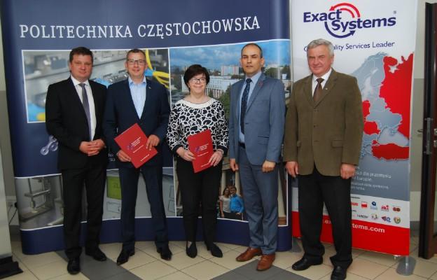 Od prawej: Norbert Sczygiol, Przemysław Postawa, Małgorzata Klimek, Lesław Walaszczyk i Łukasz Łagodziński