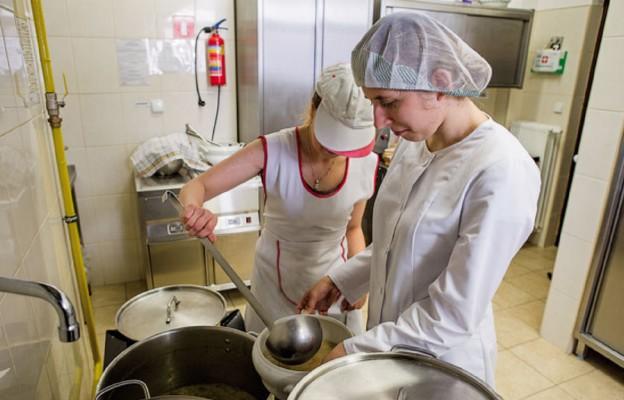 Niepełnosprawni gotują dla potrzebujących