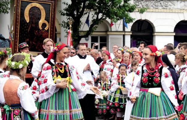 Z Łowicza na Pragę