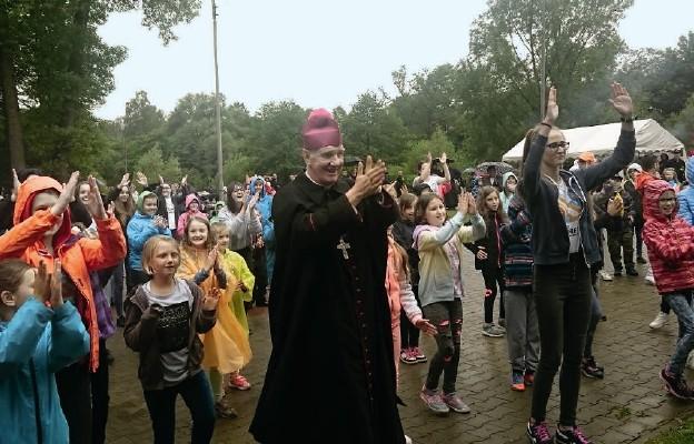 Dzieci pielgrzymowały do Barda