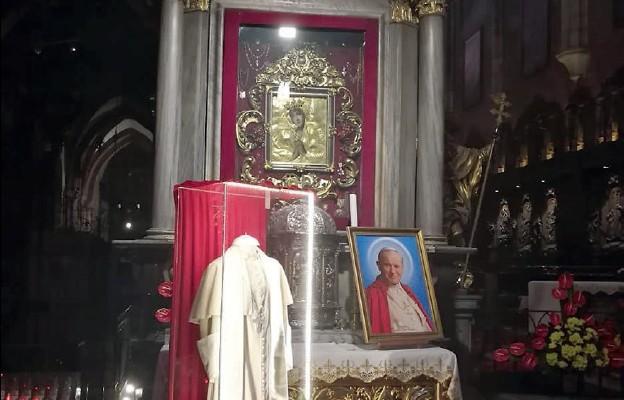 Relikwie św. Jana Pawła II na Dolnym Śląsku
