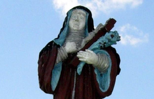Figura św. Kingi w Nowym Korczynie