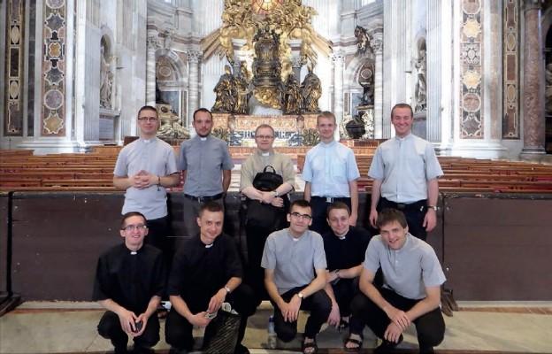 Diakoni u grobu św. Piotra