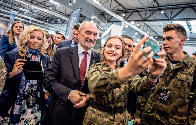 Selfie z Ministrem Obrony Narodowej