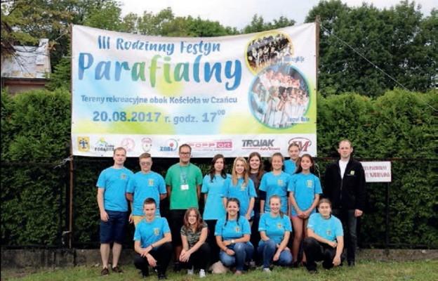 Młodzież organizuje parafialny festyn