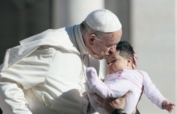 Papież: rodziny są szansą dla społeczeństwa