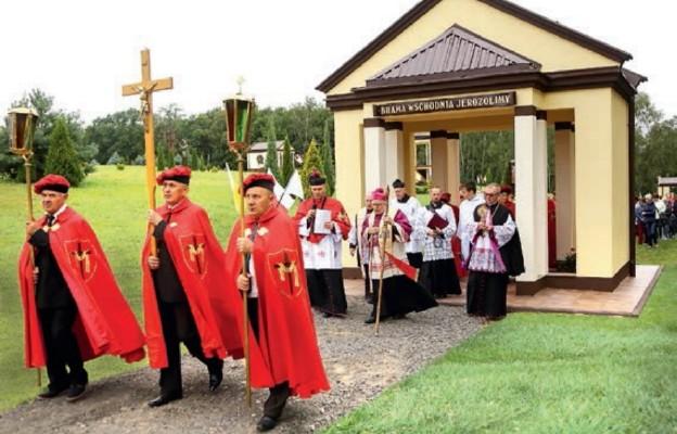 Poświęcenie ostatnich kaplic Dróżek Pasyjnych