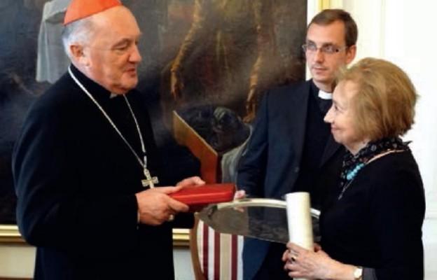 Za zasługi dla Kościoła iPapieża