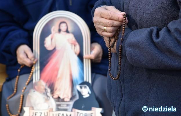 W 180 miastach w całej Polsce, wierni odmówią Koronkę do Miłosierdzia Bożego