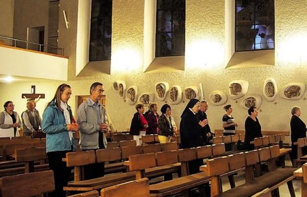80 lat modlitwy maryjnej