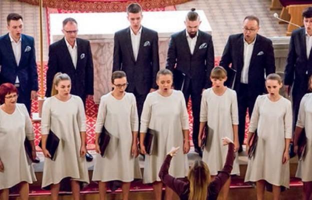 Chór KOE z Sokołowskiego Ośrodka Kultury wywalczył pierwszą nagrodę w kategorii chóry mieszane