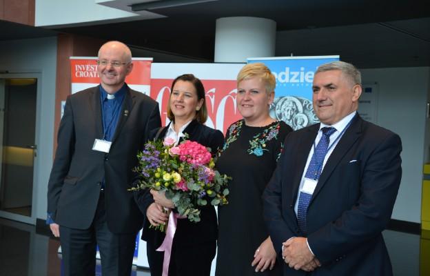 Konferencja była też okazją do... międzynarodowych fotografii. Tu od lewej ks. prof. Józef Stala, ambasador Andrea Bekić, dyr, biblioteki Magdalena Nagięć i konsul honorowy Paweł Włodarczyk
