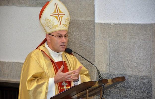 Prymas Polski: krzyż nie jest orężem do walki z tym światem