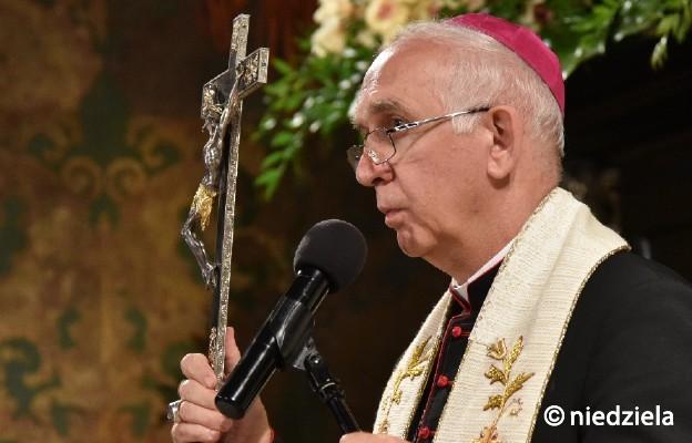 Abp Depo prosi o modlitwę za chorych kapłanów, siostry zakonne i za pracowników służby zdrowia