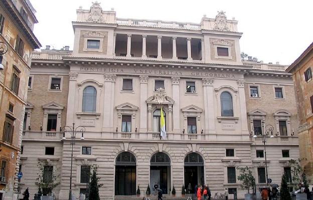 Fasada Papieskiego Uniwersytetu Gregoriańskiego od strony Piazza della Pilotta