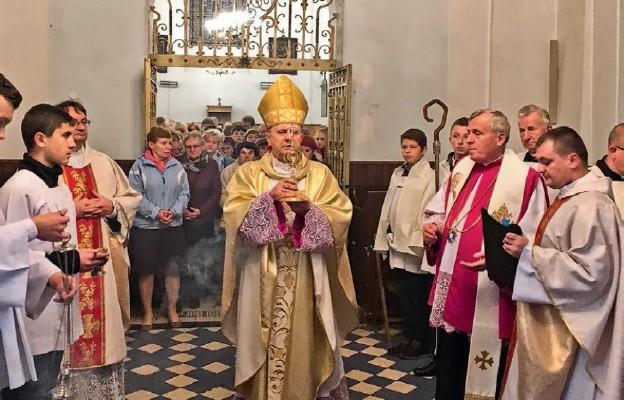 Relikwie św. Jana Pawła II zawitały do Korytnicy