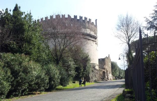 Rzym, Via Appia Antica – Grobowiec Cecylii Metelii (I w. p.n.e.)