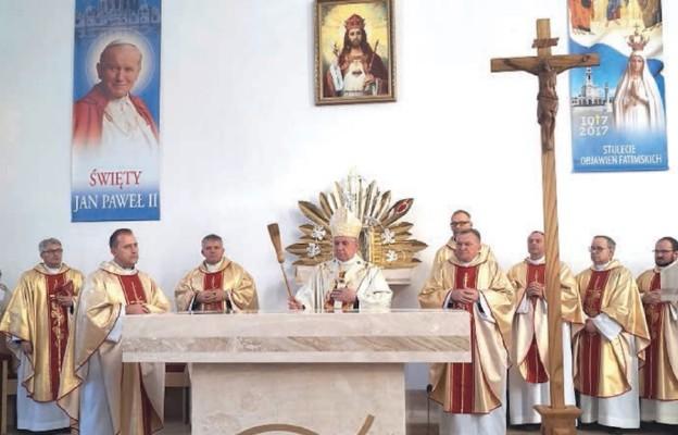 Konsekracja kościoła pw. Chrystusa Króla w Dołujach