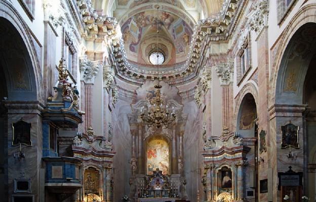 Kraków: w krypcie kościoła pijarów odnaleziono relikwie