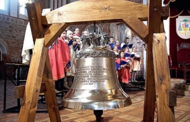 """Dzwon """"Maria"""" na 100. rocznicę objawień w Fatimie"""