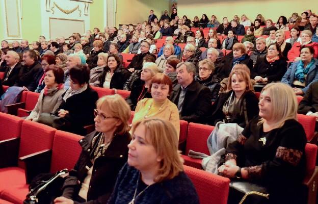 Uczestnicy konferencji z uwagą słuchali prelegentów