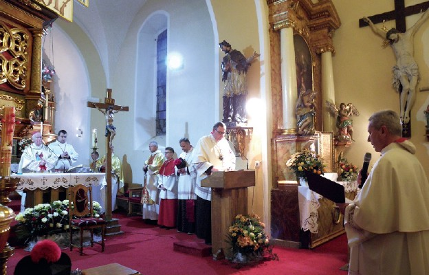 Ks. Piotr Repelowski został włączony do grona kanoników Kapituły Kolegiackiej Matki Bożej Strzegomskiej i Świętych Apostołów Piotra i Pawła