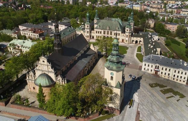 """""""Kielce – dawny Pałac Biskupów i Katedra"""""""