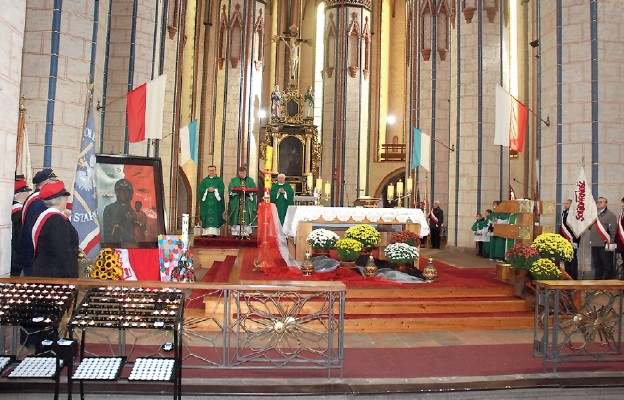 Obraz Matki Bożej Solidarności peregrynuje po parafiach archidiecezji