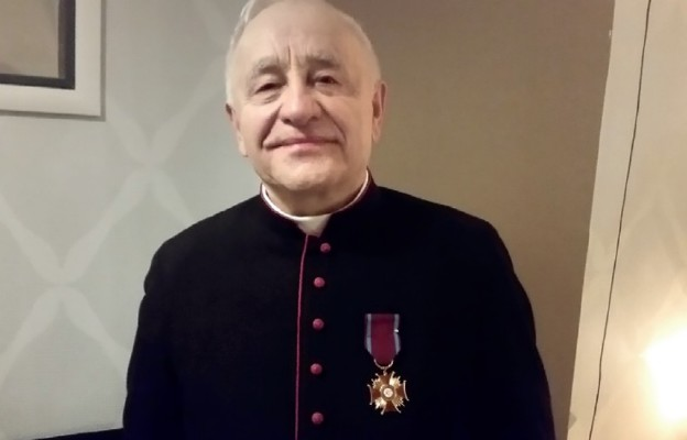 Krzyż Zasługi dla Maryjnego kustosza