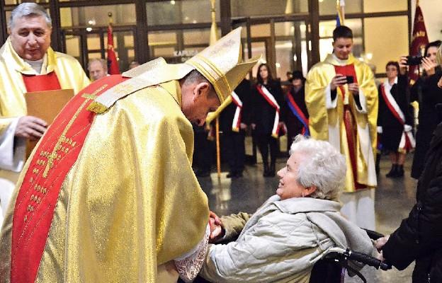 Ksiądz Biskup przypomniał, że prawem Chrystusowego królestwa jest miłość