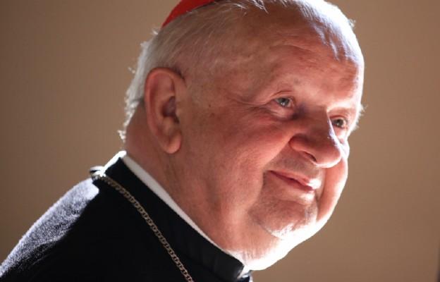 Kard. Dziwisz: 100-lecie Jana Pawła II okazją do narodowego rachunku sumienia