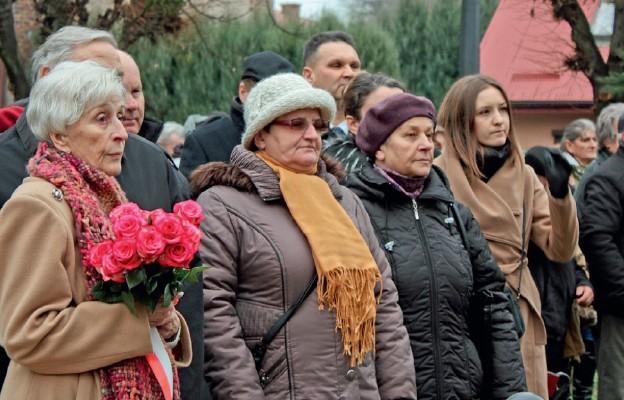 Wśród gości obecna była Wiesława Kozielewska (pierwsza z lewej), córka chrzestna Jana Karskiego