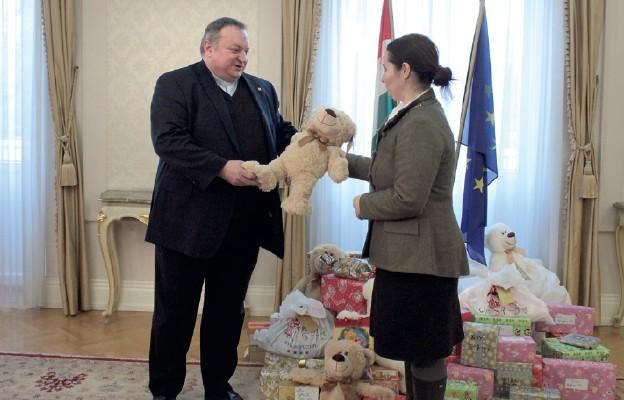 Paczki dla dzieci w Iraku