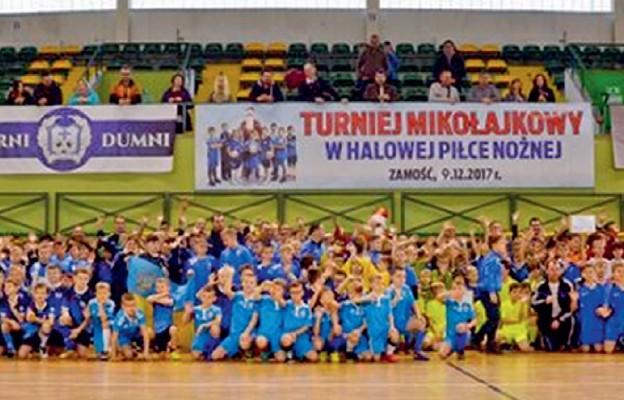 Pamiątkowa fotografi a uczestników turnieju