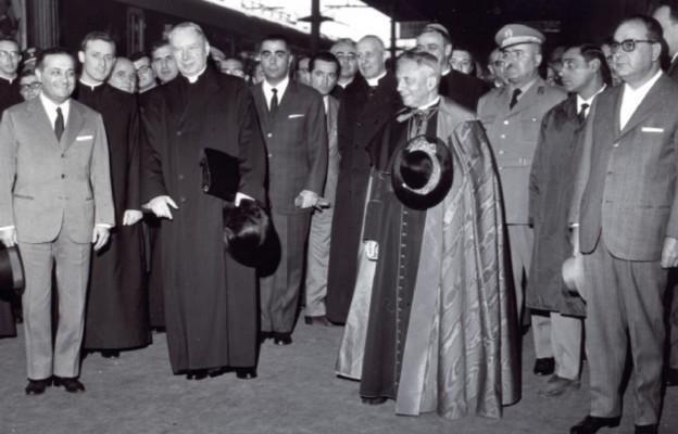 Na dworcu w Bolonii z kard. Giacomo Lercarem, 31 października 1965 r.